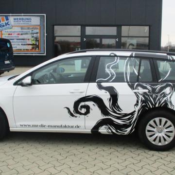 Fahrzeugbeschriftung in schwarz/weiß