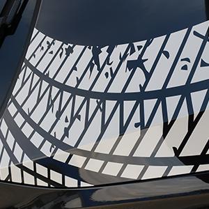 individuelle Teilfolierung und Fahrzeugbeschriftung - Reifenspuren