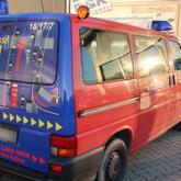 Rettungsgasse offen halten - Gestaltung und Beschriftung eines Multivan
