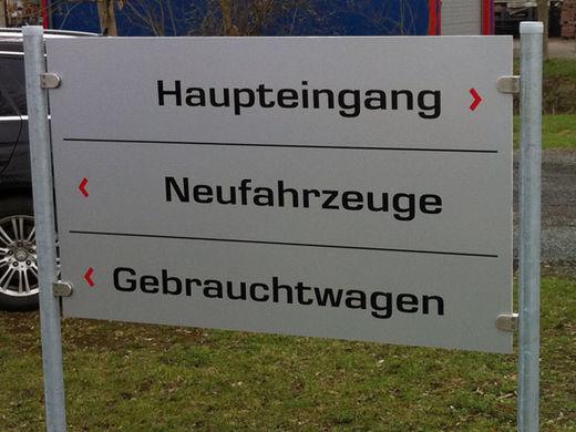 Schilder – Wegeleitsysteme